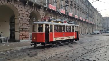 Torino in mezzo ai tram