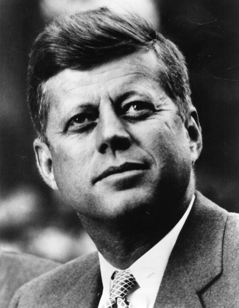 """""""Non c'è nulla di più certo e immutevole che l'incertezza e il cambiamento."""" -John Fitzgerald Kennedy"""