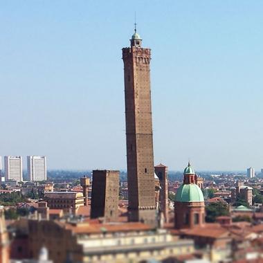 Due passi a Bologna