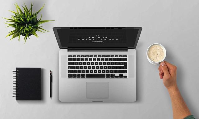 Smart working, il salotto diventa un ufficio
