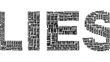 Il duplice sforzo di mentire