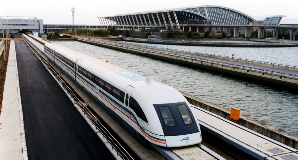 a-maglev-train-coming-out-pudong-international-airport-shanghai_t