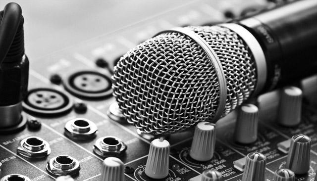 musica-microfono-scuola