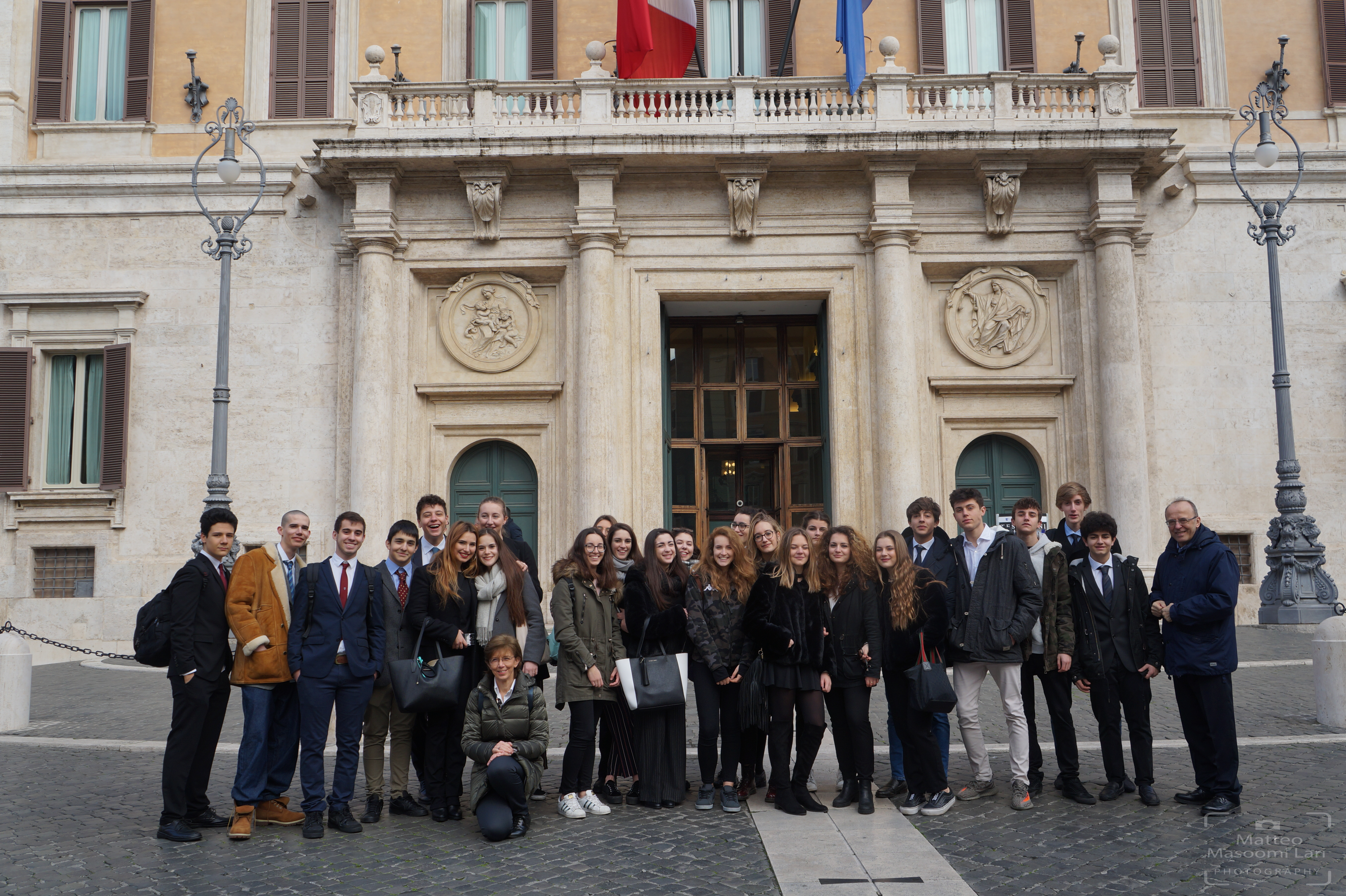 Il liceo che forma il gruppo europa al parlamento il salice for Struttura del parlamento
